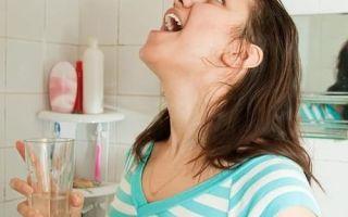 Язык при ангине: как убрать налет на миндалинах, чем лечить
