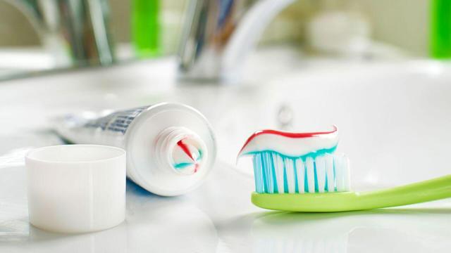 Рекомендация стоматологов как правильно сделать выбор из классификации зубных паст для чувствительных зубов