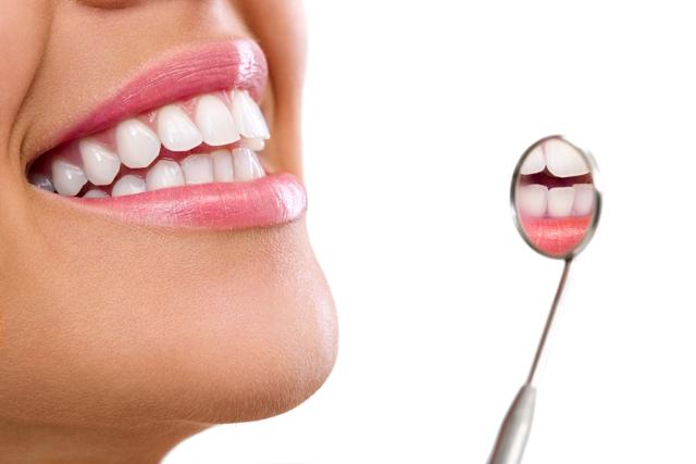 Можно ли беременным делать чистку зубов: отбеливание, профессиональная гигиеническая ультразвуковая чистка