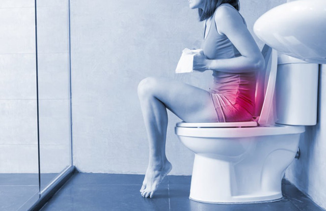 Больно ходить в туалет по большому: причины при месячных и беременности