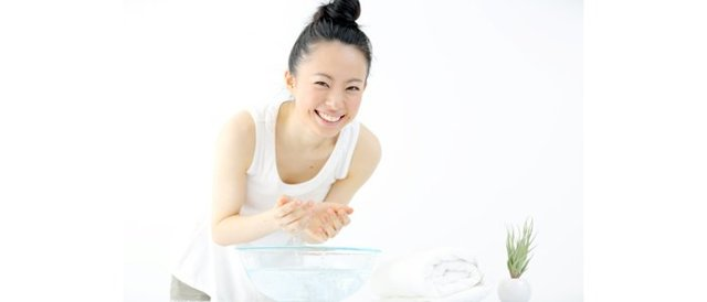 8 упражнений для шеи, чтобы сохранить молодость лица (видео)