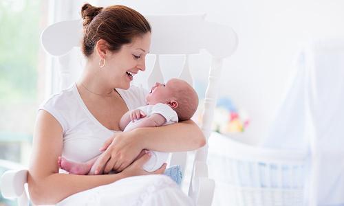 Выделения при беременности до задержки: должны ли они быть на ранних сроках?