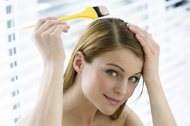 Можно ли красить волосы во время месячных: почему нельзя краситься, осветлять голову