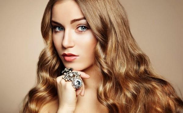 Бесцветная хна: рецепты эффективных масок для поврежденных и пористых волос