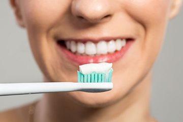 Виды и классификация зубных отложений как факторов заболеваний зубов и десен