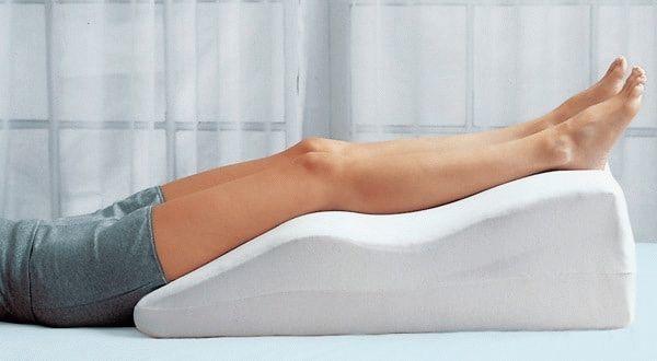 Почему во время месячных болят ноги: основные причины, характер болей, что делать