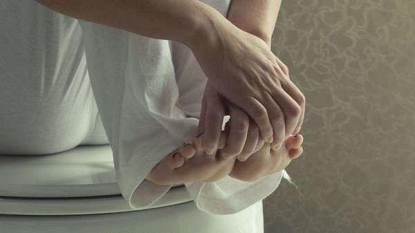 После постинора: выделения (белые, кровяные, мажущие) - причины, вид и лечение