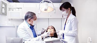 Дырка в зубе болит: что делать в домашних условиях, как уменьшить очень сильную зубную боль от разрушенной пломбы или нерва