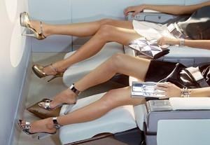 Черные прыщи на ногах как лечить. Причины появления разного рода прыщей на ногах у женщин