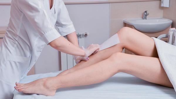 Больно ли делать шугаринг или нет: в первый раз, зоны глубокого бикини и что больнее воск или шугаринг