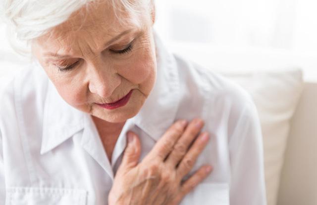 Беспокоит задержка месячных и болит грудь - что делать?