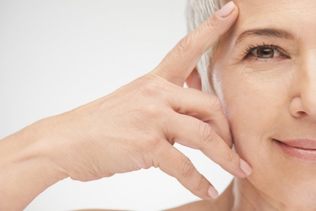 Идеальный макияж: 9 советов для маскировки морщин