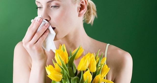 Опухла верхняя или нижняя губа: причины, что делать, лечение отека губ