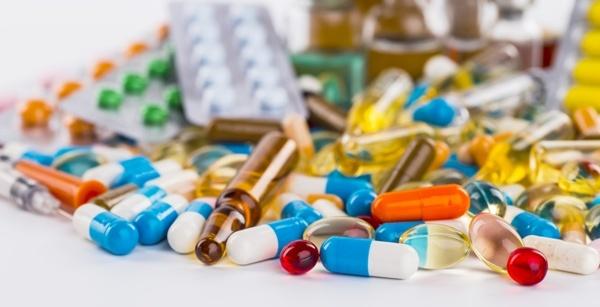 По каким причинам болит губа с внутренней стороны, способы лечения медикаментами и народными средствами