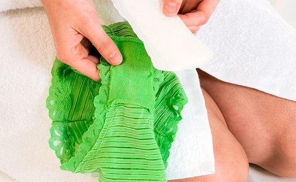 Зеленые выделения при беременности 3 триместр
