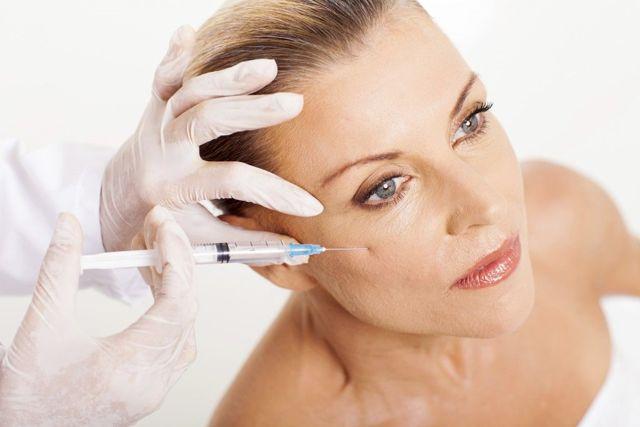 Что лучше - ботокс или гиалуроновая кислота: какова разница между процедурами, чем отличаются уколы для лица и для глаз, эффективны ли, какие есть ограничения?
