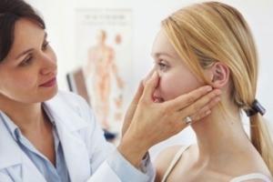 Гиалуроновый пилинг: преимущества, противопоказания и этапы процедуры
