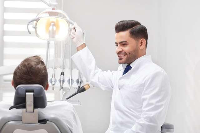 Как снять коронку с зуба: на постоянном цементе, из металлокерамики, зубной мост