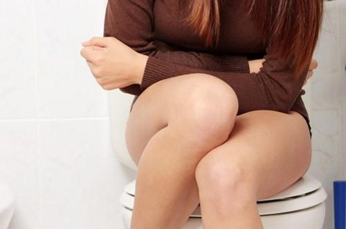 Цистит с кровью у женщин: симптомы и лечение в домашних условиях