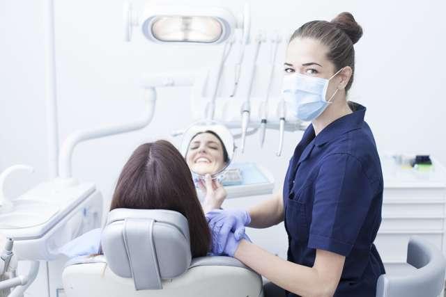Коффердам (раббердам, оптидам) в стоматологии: цели и методы наложения, снятие латексной завесы