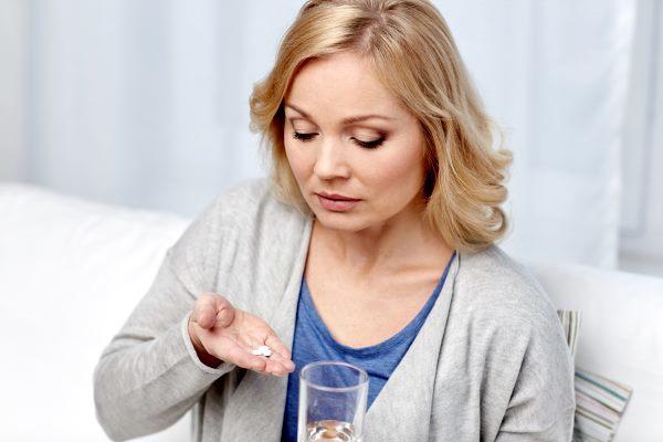 Шалфей: климакс (приливы) – как принимать, лечебные свойства для женщин и противопоказания