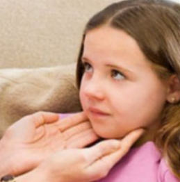 Флегмона челюстно-лицевой области (шеи, дна полости рта, челюстей, языка): симптомы и лечение