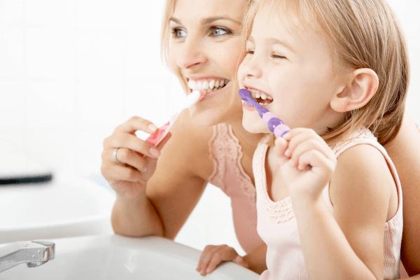 Стоматит у детей: лечение в домашних условиях народными средствами и медикаментами
