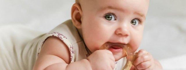 Синяя десна у ребенка при прорезывании зубов: фото, почему так происходит