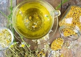 Как делать спринцевание при молочнице содой и ромашкой в домашних условиях?