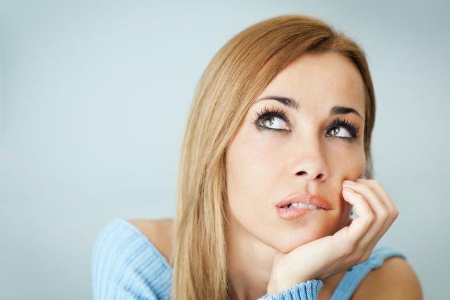 Привычка кусать губы и щеки: грызть, изнутри, обдирать