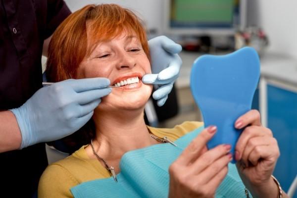 Имплантация нижних зубов: советы тем кто хочет восстановить зубы