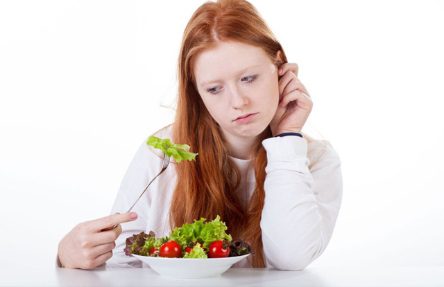 Жор перед месячными: что делать и как контролировать аппетит