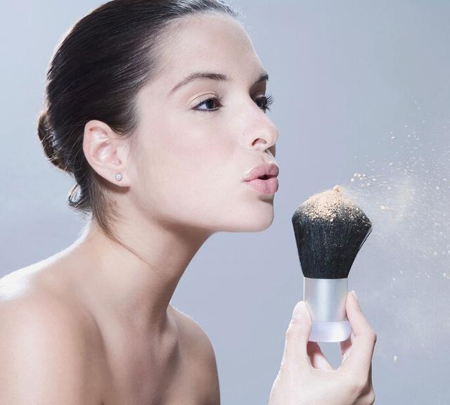 Как правильно наносить тональный крем, виды основ, советы и рекомендации