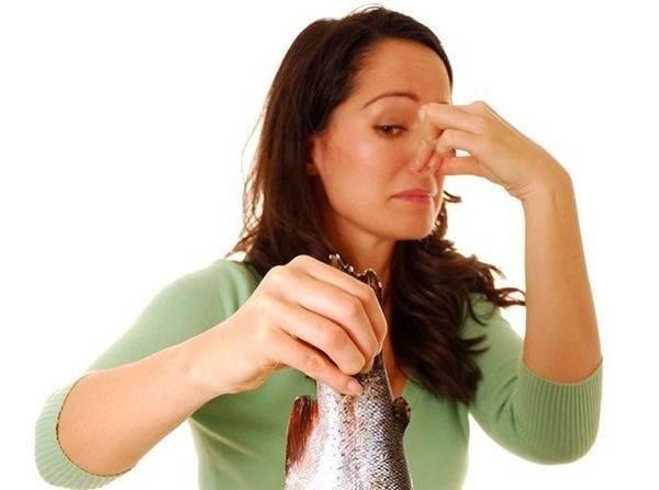 Неприятный запах при месячных: причины появления, методы избавления