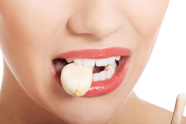 Чеснок от зубной боли: рецепты в домашних условиях, помогает ли