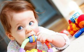 Когда появится первый зуб у ребенка: что нужно знать родителям