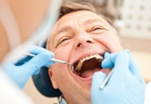 Какие потребуются анализы перед имплантацией зубов и правила их сдачи