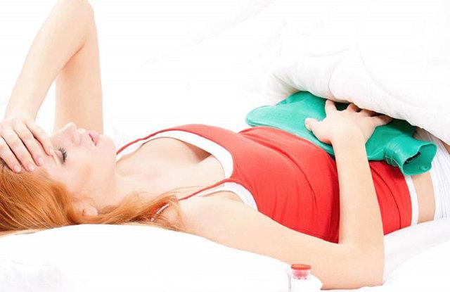Коричневая кровь при месячных: норма и патология, симптомы