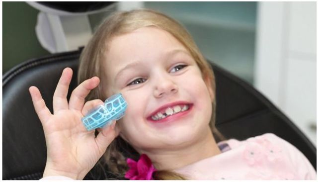 Что делать: у ребенка растут кривые постоянные зубы