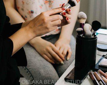 Список косметики для макияжа: что должно быть в косметичке каждой девушки?