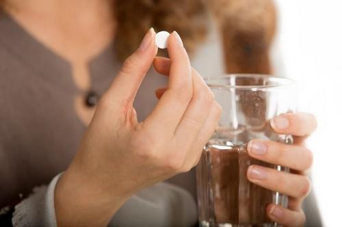 Кровотечение при миоме матки: причины, симптомы, способы лечения