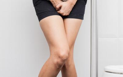 Появление частого мочеиспускания, боли и жжения при молочнице у женщин