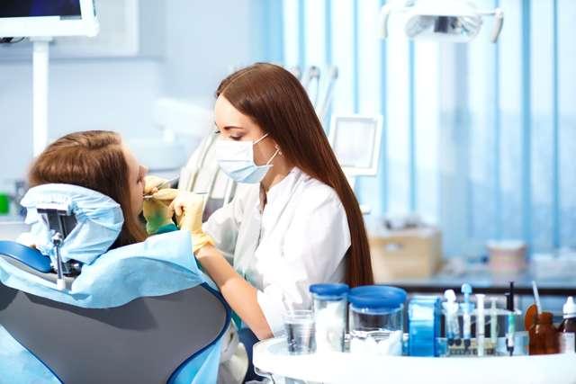 Что делать, если сломался зуб под корень: способы восстановления