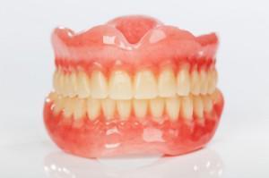 Изготовление съемных зубных протезов – клинические и технические этапы