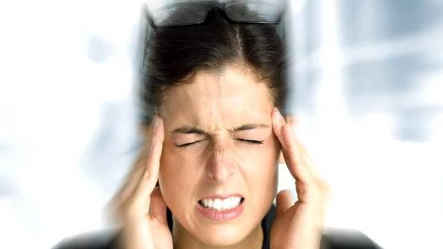 Головокружение при климаксе: признаки и симптомы, лечение, народные средства
