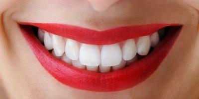 Как избежать боли после отбеливания зубов: 3 совета от дантиста
