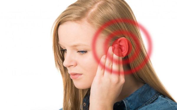 Нарост на ухе у человека: причины, симптомы, лечение