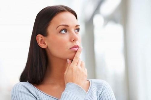 Герпес при месячных – менструальный: причины, лечение