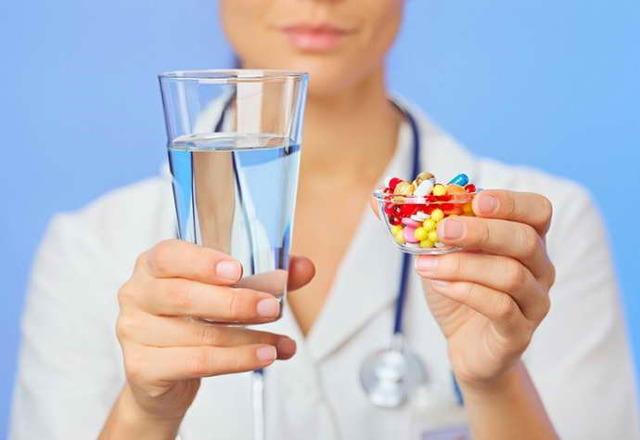 Под языком пузырь: причины появления, симптомы и методы лечения