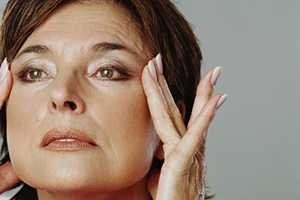 Прыщи при климаксе: высыпания на коже лица, шеи в менопаузу